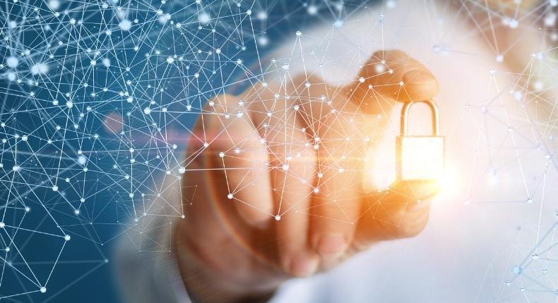 Datenschutz/ Datensicherheit mit der Blockchain: ivault.app schützt Nutzerdaten mit dem höchsten Sicherheitsstandard.